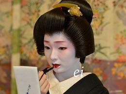 日本艺伎古典优雅又风情万种