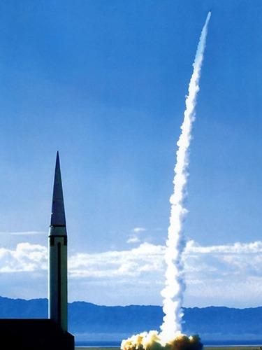 二炮多型导弹同步齐射