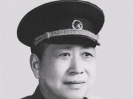 陈赓给黄埔三期老革命评少将 最后成大校