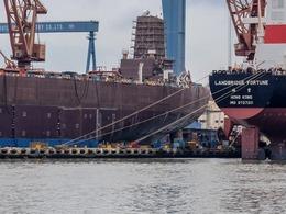 军方回应国产航母进展: 既有颜值更有气质