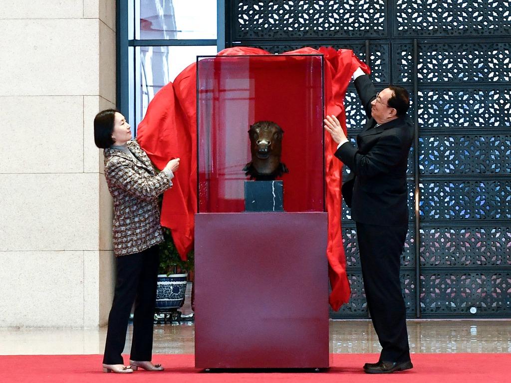 北京圆明园流失百年马首铜像回归 仍有5尊下落不明[图集]